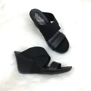 Kenneth Cole Unlisted black wedge sandals